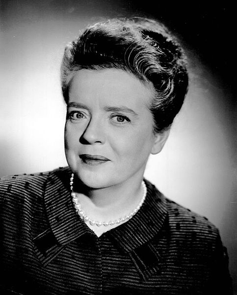 Aunt bee was played by frances bavier the queen bee of the taylor