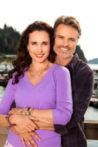 Jack and Olivia on CEDAR COVE