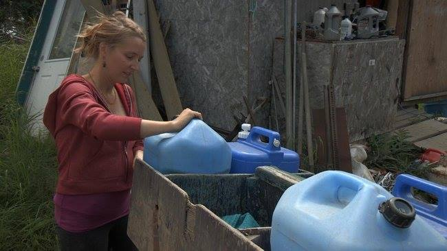 Pregnant Eve Wants Running Water on ALASKA: THE LAST FRONTIER