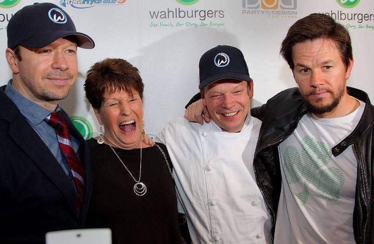 paul wahlberg height in feet